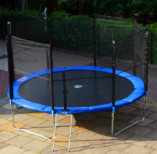 trampolin skyjump 244 cm 8ft gartentrampolin mit netz leiter neu topangebot. Black Bedroom Furniture Sets. Home Design Ideas